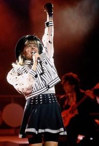 Debbie-Gibson live