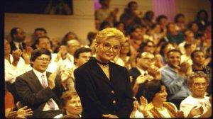 Oh Sally... oh, über-90's-looking velvet choker...